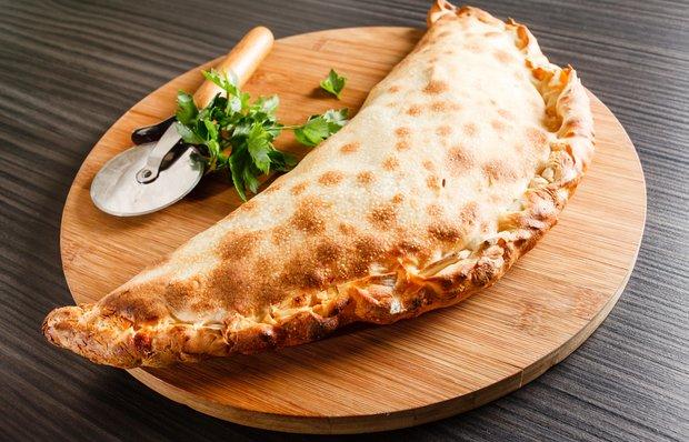 Заказать на дом закрытую пиццу
